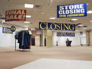 store closing bloomberg