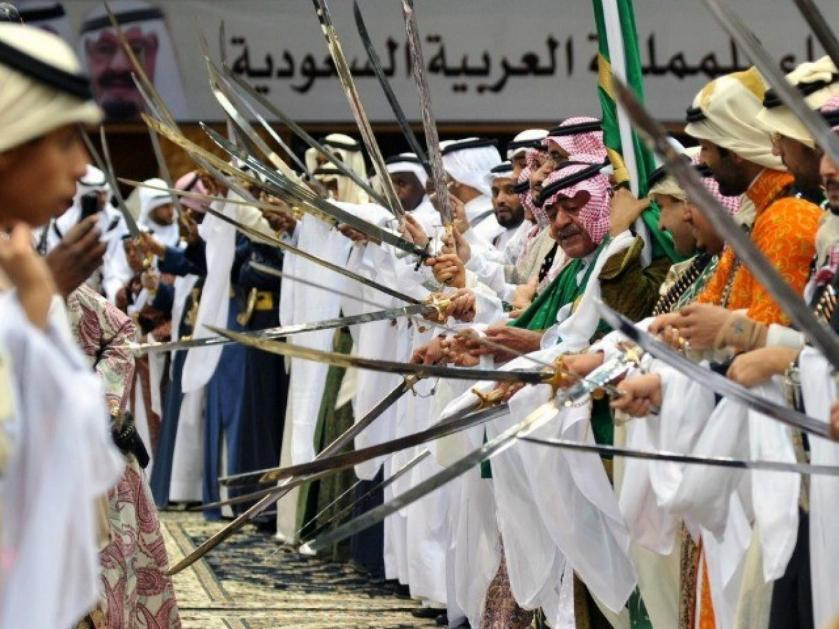 Mugren-bin-Abdulaziz-Saudi-sword-dance-afp-640x480_0